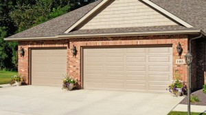 chi-long-raised-panel-garage-door-00011