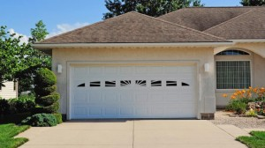 chi-short-raised-panel-garage-door-00021