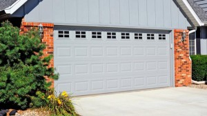 chi-short-raised-panel-garage-door-00041