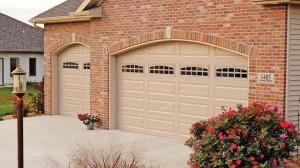 chi-long-raised-panel-garage-door-00021