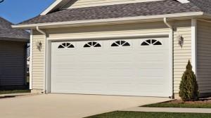 chi-long-raised-panel-garage-door-00031