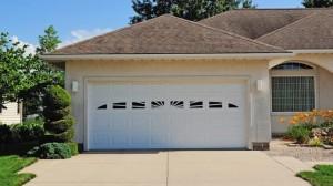 chi-short-raised-panel-garage-door-00021
